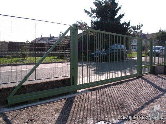 Rekonstrukce oplocení bytového domu: IMG_3276