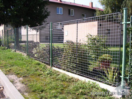 Rekonstrukce oplocení bytového domu: IMG_3300