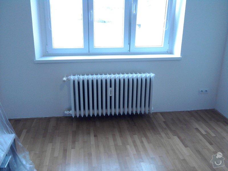 Renovace omítek,stropů,špalety,nátěr radiátorů,malířské práce: Fotografie0386