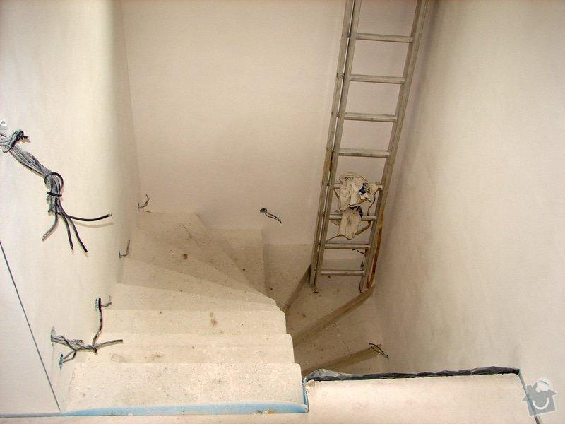 """Dřevěný obklad betonového schodiště - tvar """"U"""" (bez zábradlí), včetně podstupnic.: schodiste-2"""