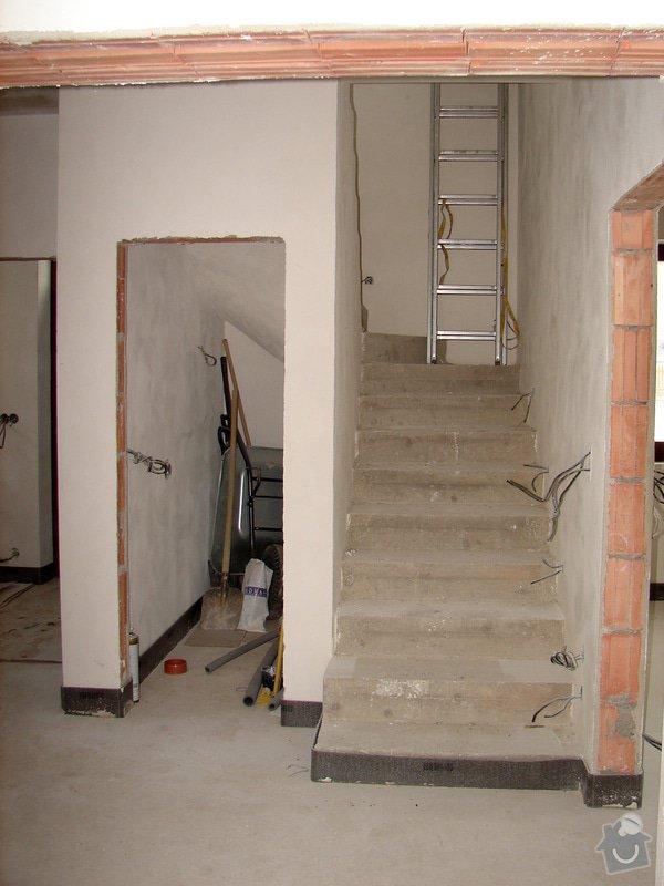 """Dřevěný obklad betonového schodiště - tvar """"U"""" (bez zábradlí), včetně podstupnic.: schodiste-1"""