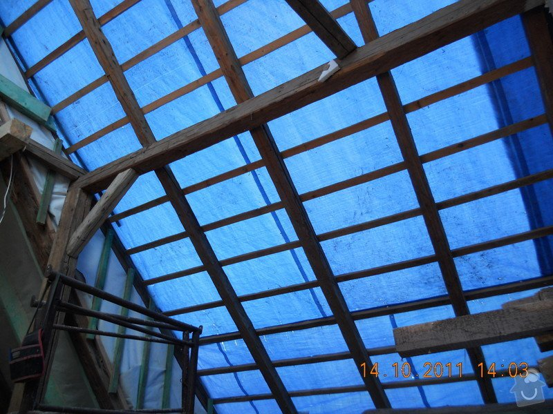 Rekonstrukce patra rodinného domu včetně výměny dřevěných částí střechy: DSCN0234