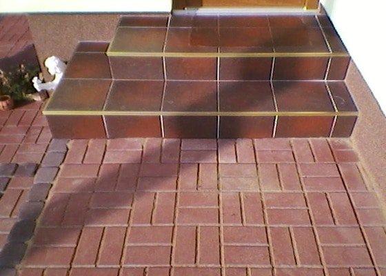 Teréní úpravy,zámková dlažba+obložení schodů