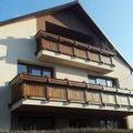 Drevene zabradli balkonu zabradli s truhlikem typ typ schwanz bez nazvu