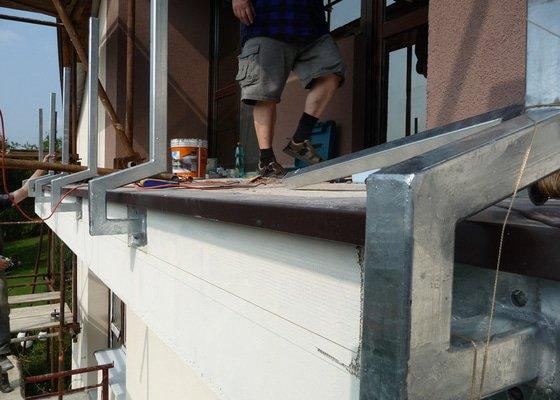 Dřevěné zábradlí balkónu zábradlí s truhlíkem typ TYP SCHWANZENBERG
