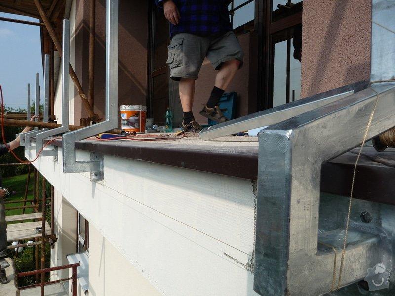 Dřevěné zábradlí balkónu zábradlí s truhlíkem typ TYP SCHWANZENBERG: P1050519