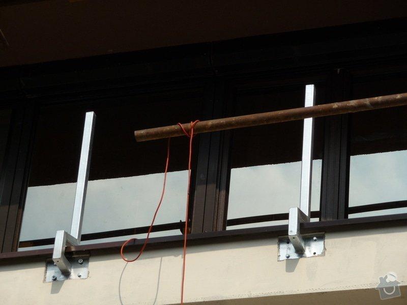 Dřevěné zábradlí balkónu zábradlí s truhlíkem typ TYP SCHWANZENBERG: P1050529