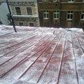 Odstraneni snehu ze strechy pomoci horolezecke techniky fotografie012