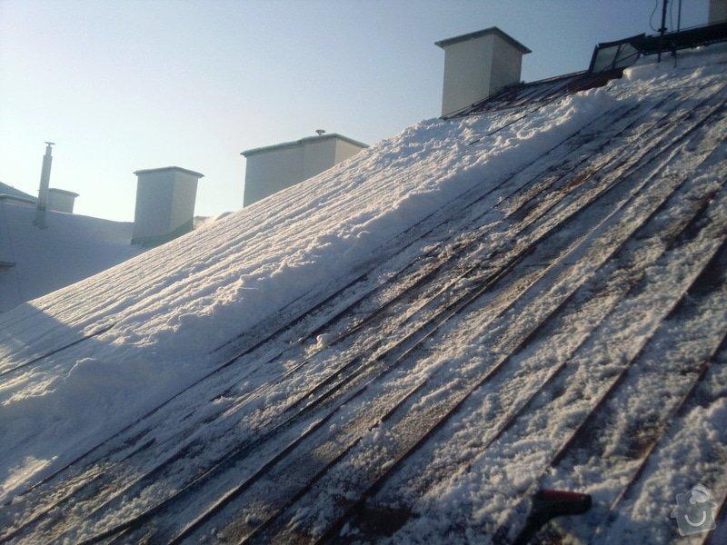 Odstranění sněhu ze střechy pomocí horolezecké techniky: Fotografie022