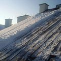 Odstraneni snehu ze strechy pomoci horolezecke techniky fotografie022