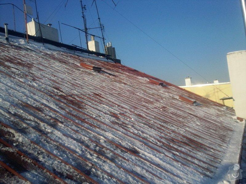 Odstranění sněhu ze střechy pomocí horolezecké techniky: Fotografie024