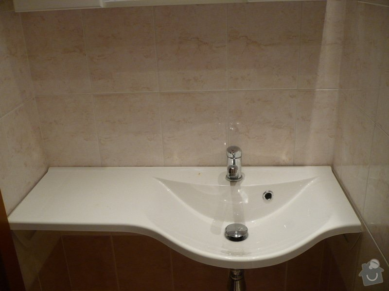 Předělání koupelny z umakartového jádra na zděné + změna místo vany sprchoví kout zděný: P1010661