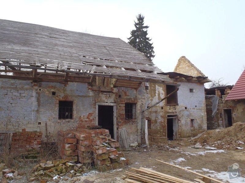 Rekonstrukce střechy(rekonstrukce krovu, položení pojistné hydroizolace a krytiny): P1280559