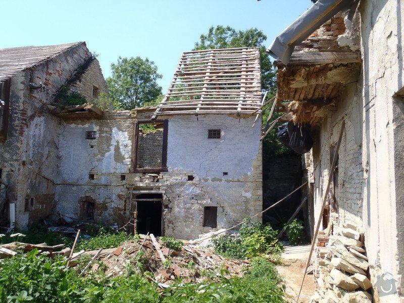 Rekonstrukce střechy(rekonstrukce krovu, položení pojistné hydroizolace a krytiny): P6040101