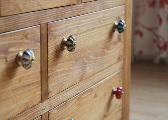 2x dřevěná komoda