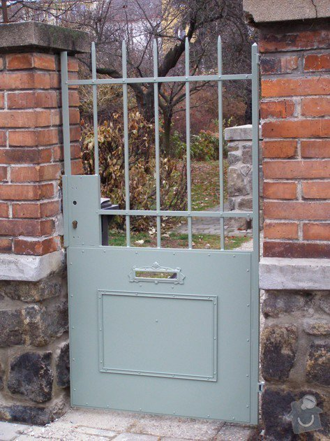 Lakování (nástřik, stříkání) kovové brány a branky: P1010096