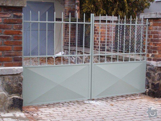 Lakování (nástřik, stříkání) kovové brány a branky: P1010098