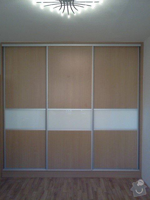 Vestavěné skříně na míru: IMG070