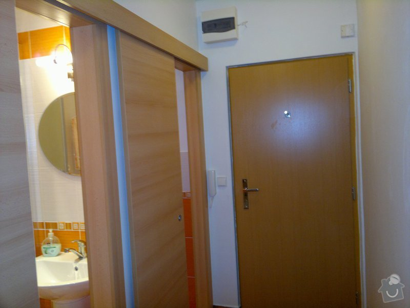 Rekonstrukce koupelny a WC,posuvné dveře,vchodové dveře: 01092011504