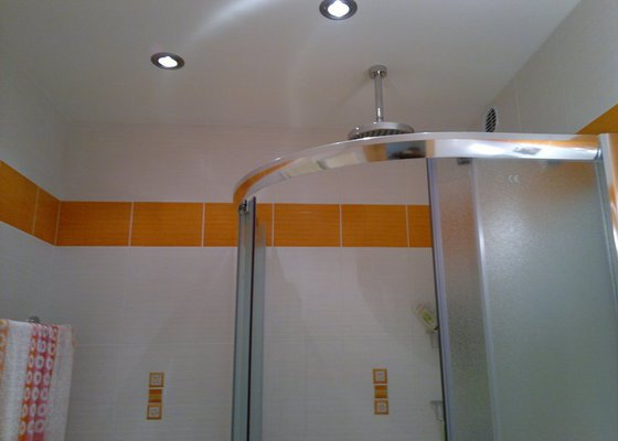 Rekonstrukce koupelny a WC,posuvné dveře,vchodové dveře