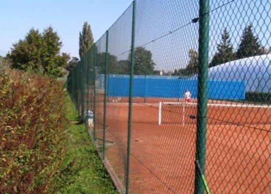 Rekonstrukce oplocení tenisových kurtů