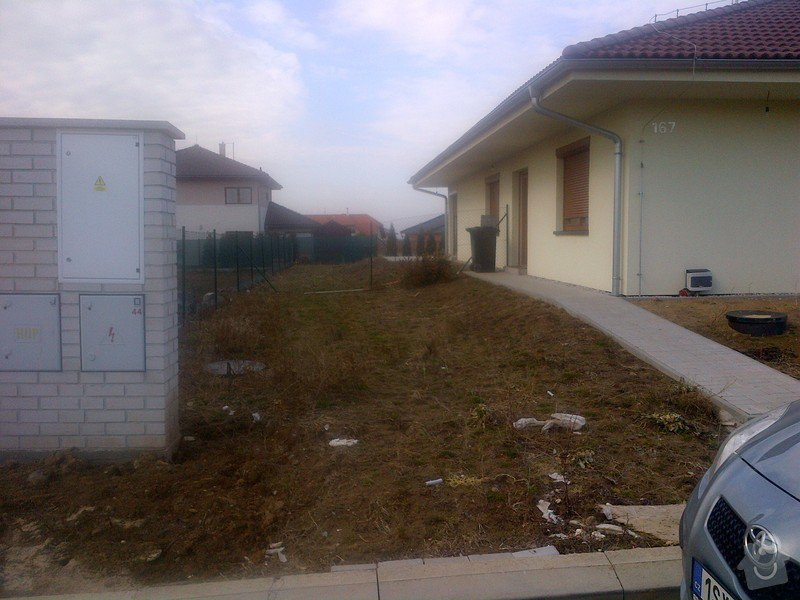 Stavba plotu(gabiony), brány, parkovacího stání: Herink-20120304-00003