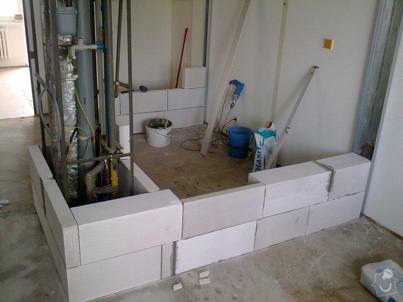 Kompletní rekonstrukce bytového jádra, vyzdění jádra, obložení , podezdění vany a umyvadla, dlažba, štukové omítky: 13072011200