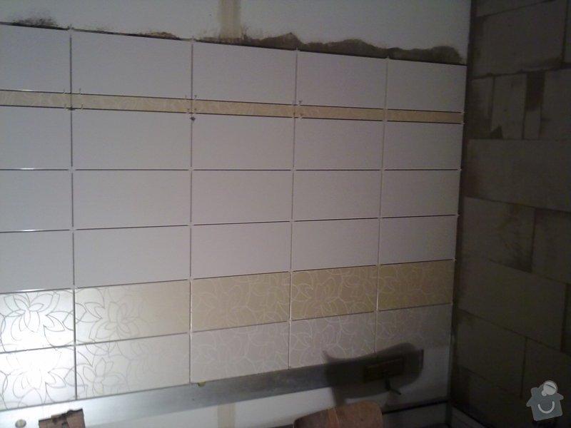 Kompletní rekonstrukce bytového jádra, vyzdění jádra, obložení , podezdění vany a umyvadla, dlažba, štukové omítky: 22072011259