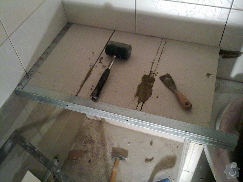 Kompletní rekonstrukce bytového jádra, vyzdění jádra, obložení , podezdění vany a umyvadla, dlažba, štukové omítky: 26072011286