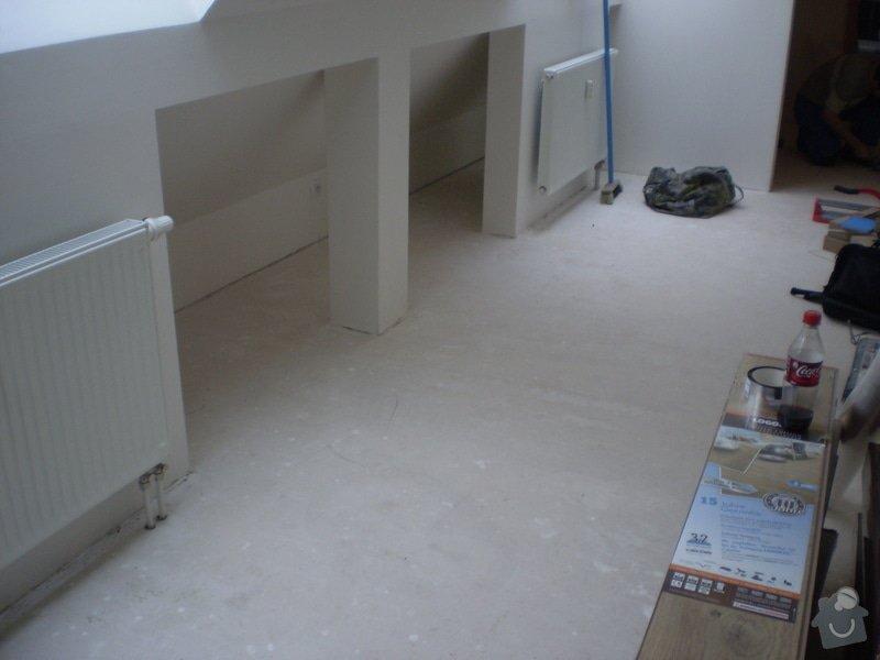 Pokladka plovouci podlahy a dlazby, obklad kuchyne: P2290020