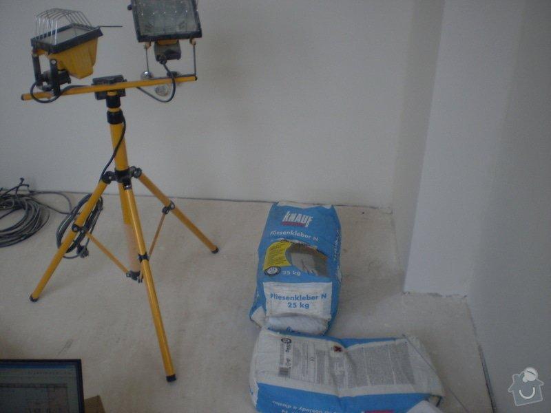 Pokladka plovouci podlahy a dlazby, obklad kuchyne: P2290021