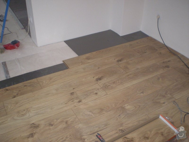 Pokladka plovouci podlahy a dlazby, obklad kuchyne: P3010006