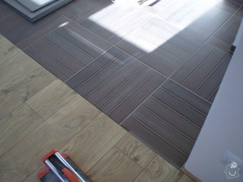 Pokladka plovouci podlahy a dlazby, obklad kuchyne: P3030007