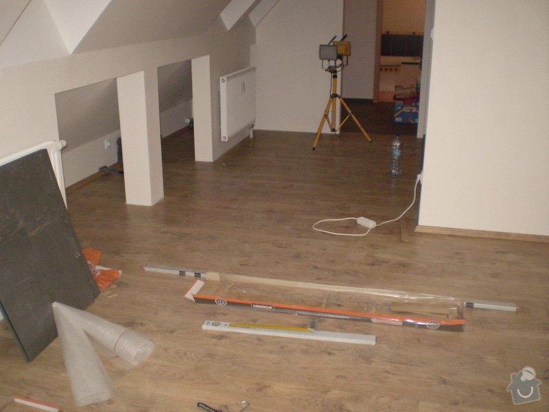 Pokladka plovouci podlahy a dlazby, obklad kuchyne: P3020006