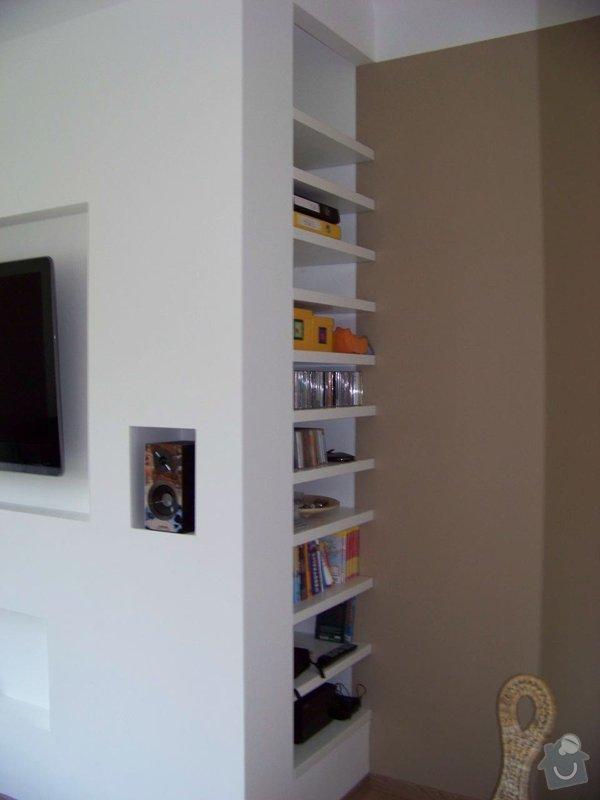 Sádrokartonový podhled a stěna v obývacím pokoji: 100_3976