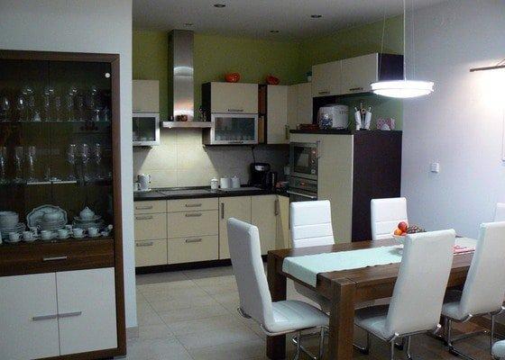 Kompletní rekonstrukce a přístavba rodinného domu 3+KK a dílna