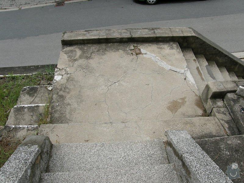 Oprava vnější betonové zdi a schodů: P8141588