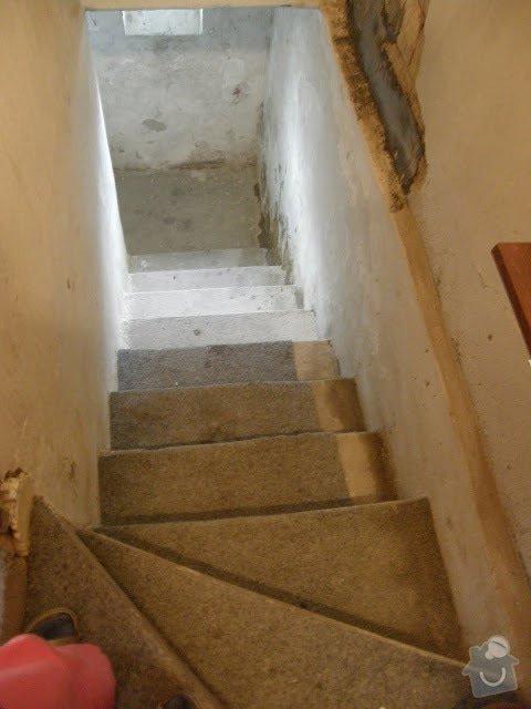 Oprava vnější betonové zdi a schodů: P8141598