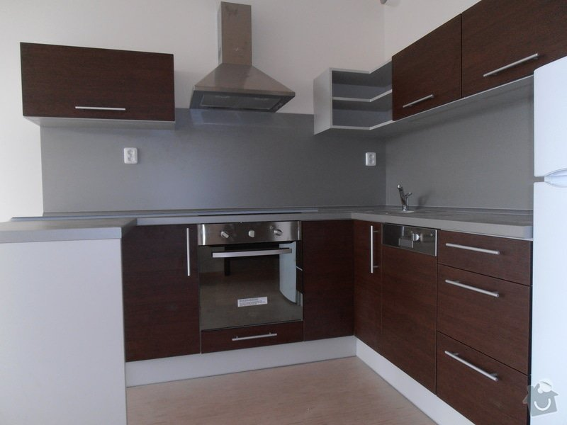 Výroba a montáž kuchyní a zakázkového nábytku: P3020098