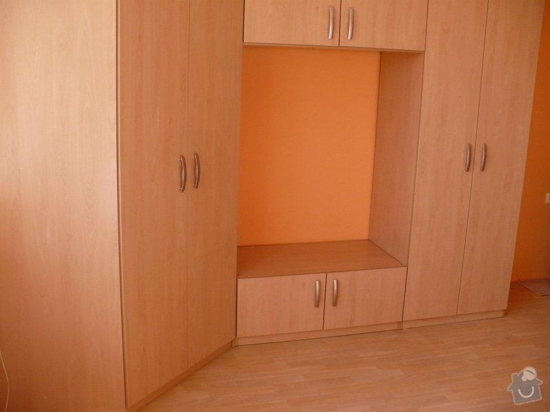 Výroba a montáž skříně do obývacího pokoje: P1030030