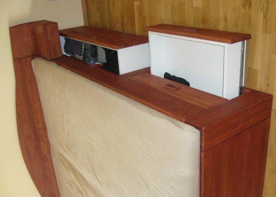 Výroba postele a vestavěné skříně z masivu