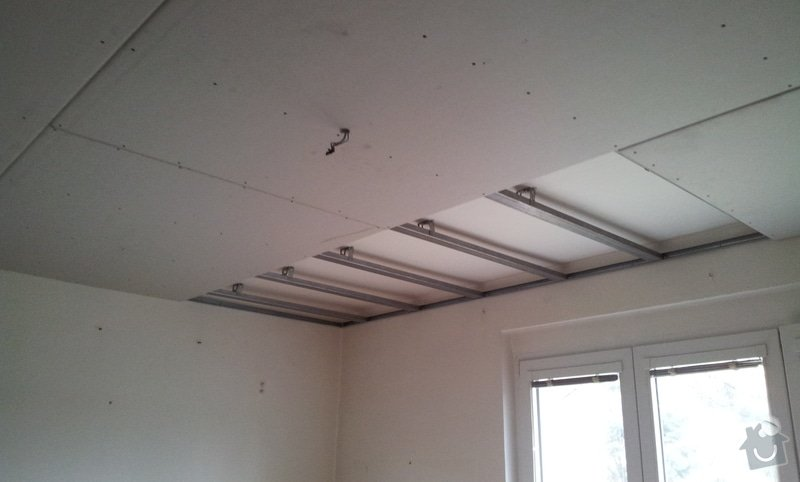 Snížení podhledu a malování: 20120308_121812