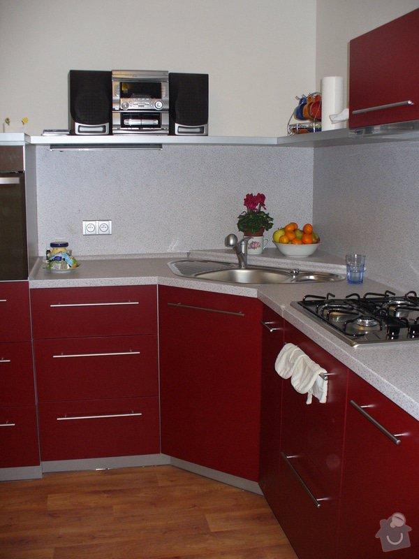 Kuchyňská linka, vestavěná skříň 5 m: P1220477