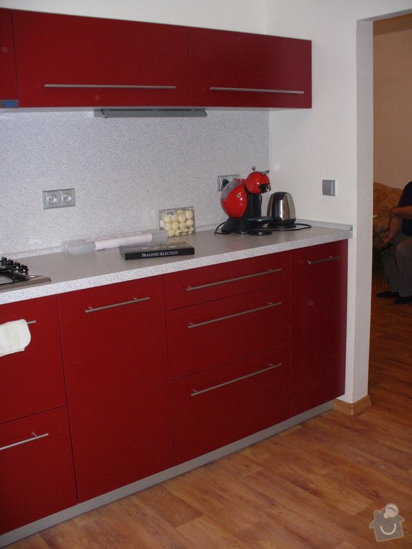 Kuchyňská linka, vestavěná skříň 5 m: P1220480