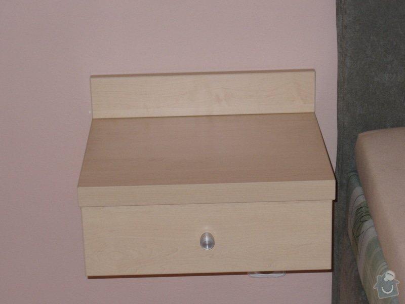 Vestavěná skříň, šikmá vestavěná skříň, škříň, PC stůl, noční stolky a ostatní nábytek: P1230346-1