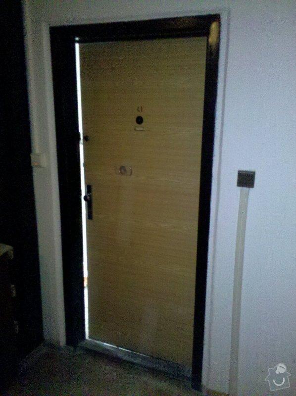 Bezpečnostní dveře vstupní dveře do bytu v panelovém domě včetně zárubně: IMG_20120316_123505