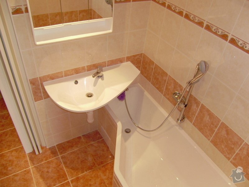 Rekonstrukce koupelny a WC: PB120065