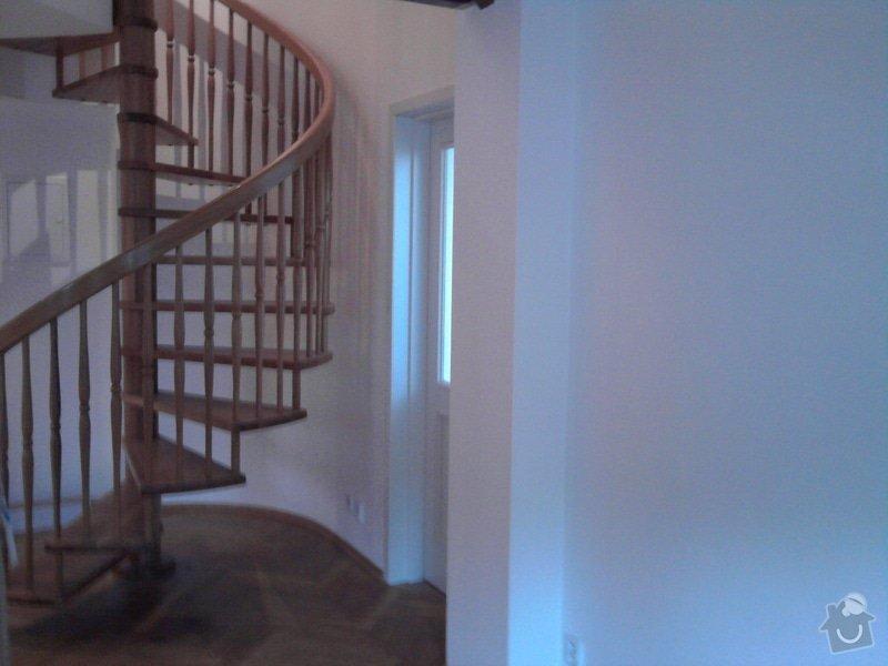 Pokládka plovoucí podlahy,malování na bílo podkrovního bytu: Fotografie0425