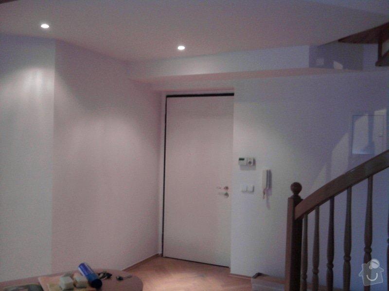 Pokládka plovoucí podlahy,malování na bílo podkrovního bytu: Fotografie0424