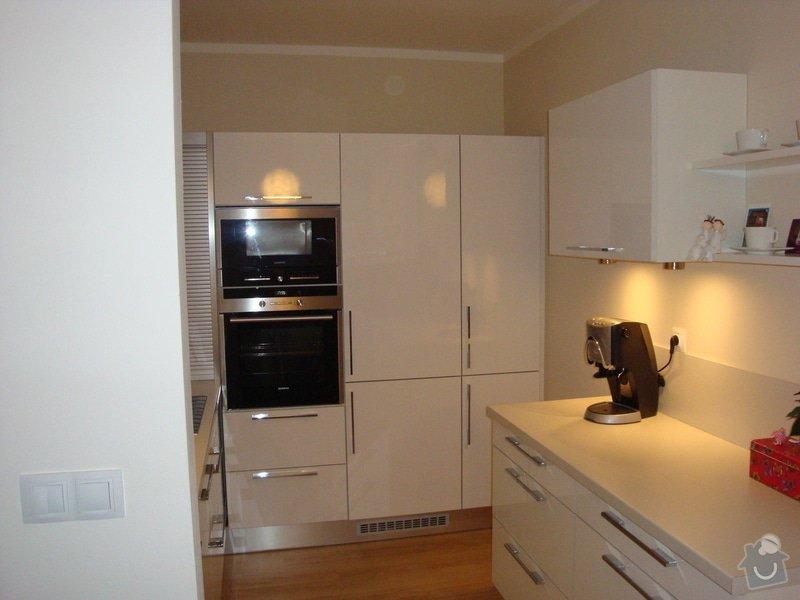 Kuchyňská linka a nové dveře a zárubně: DSC04125